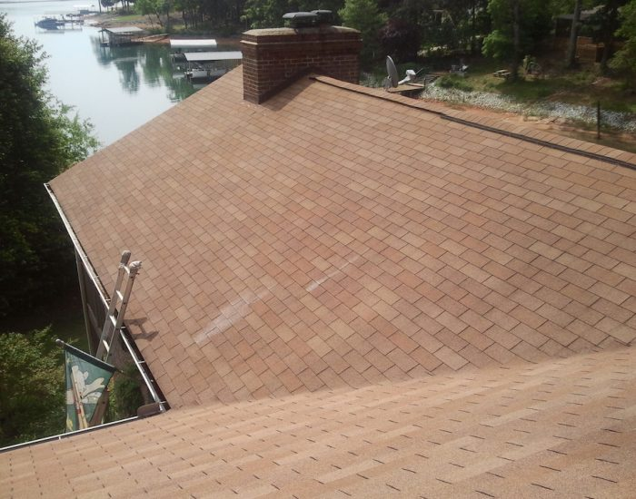 Roof cleaning and moss removal-Roof cleaning before and after