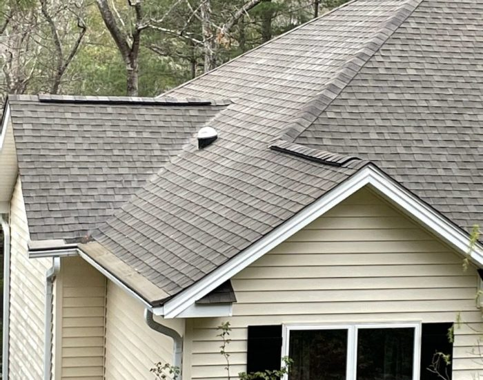 clean roof after black streaks are removed